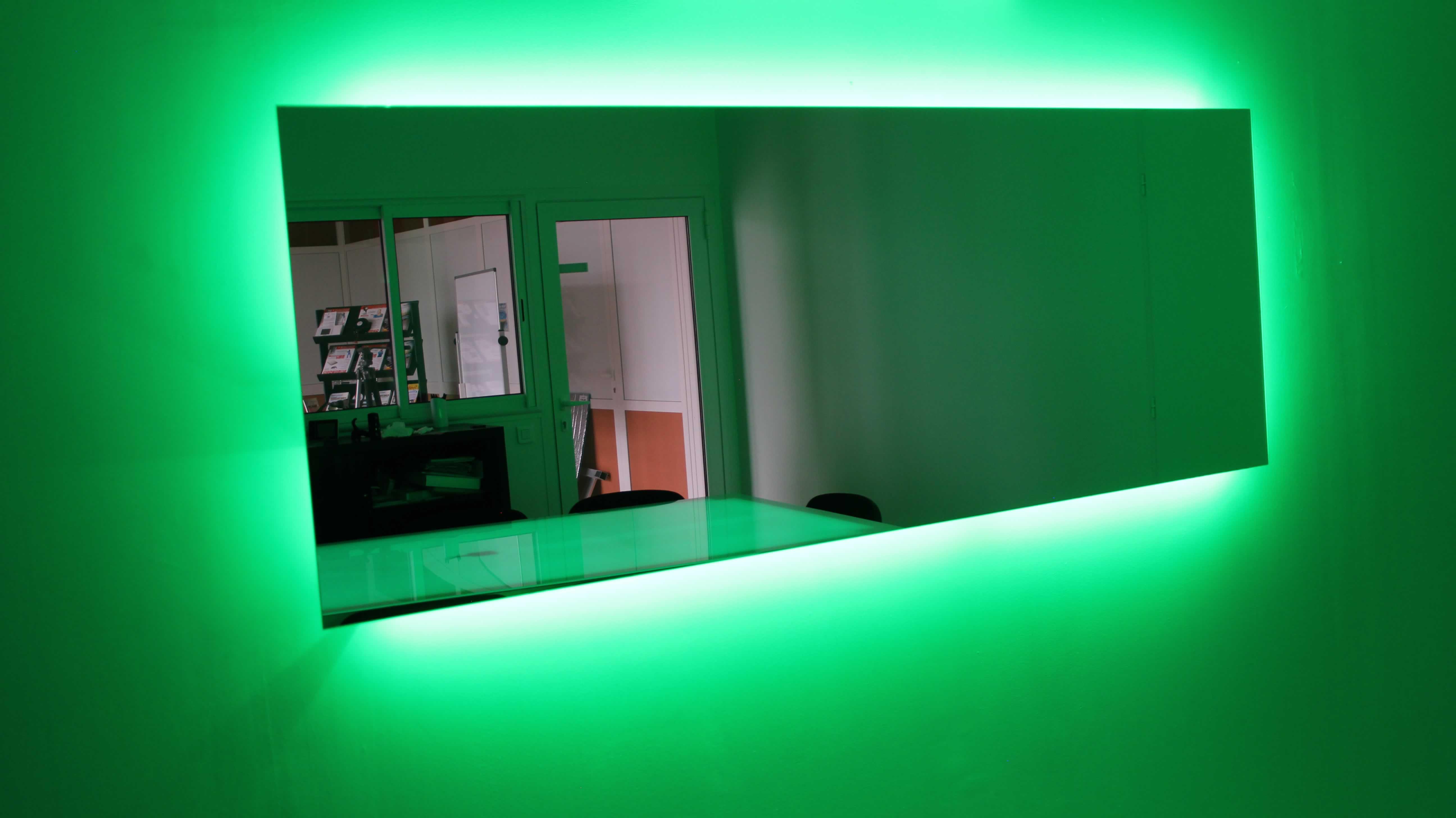 Miroir chauffant musical ceilingo
